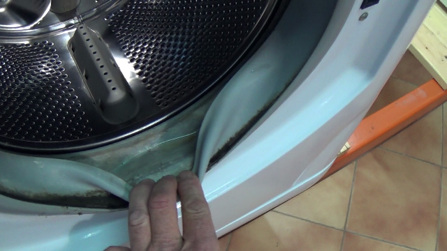 how to clean washing machine rubber door seal