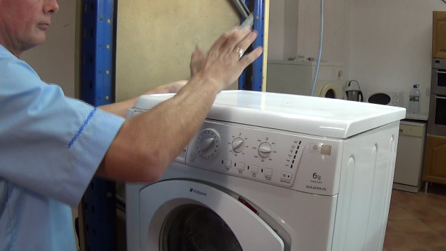 Indesit Washing Machine Problems >> How to replace a mouldy washing machine door seal or one that just has a hole in it.
