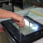 Separating an oven door from the cooker glass